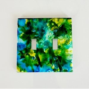 Green Abstract Design 2 Toggle Light Switch Plate